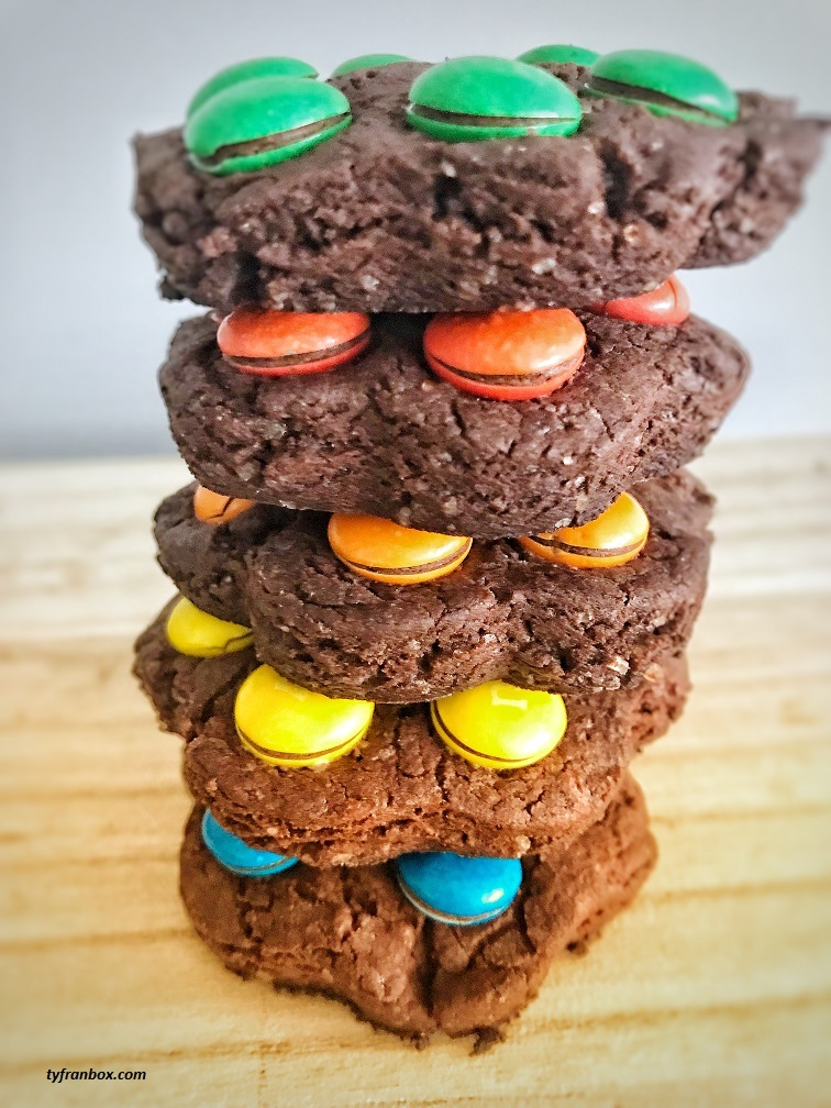 Chocolate cookies with M&M